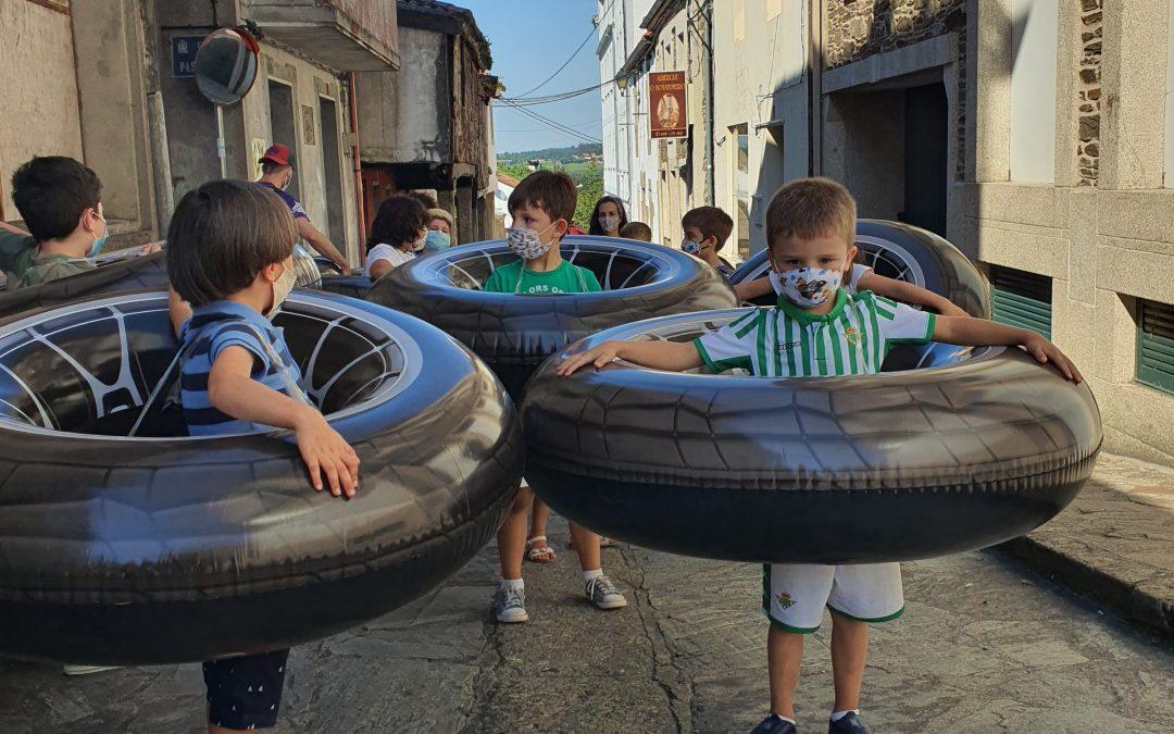 """""""Revisión de hechos. ¿Se obliga a los niños a llevar flotadores en la cintura para mantener la distancia social en España?"""""""